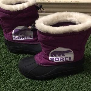 Sorel warm lining and waterproof boots !